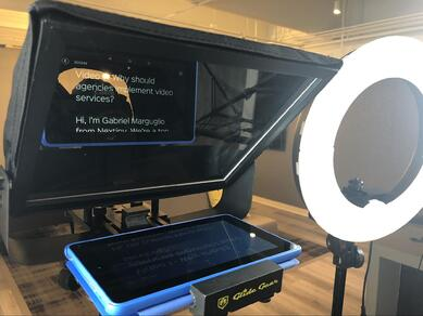 glidegear teleprompter ipad and ringlight